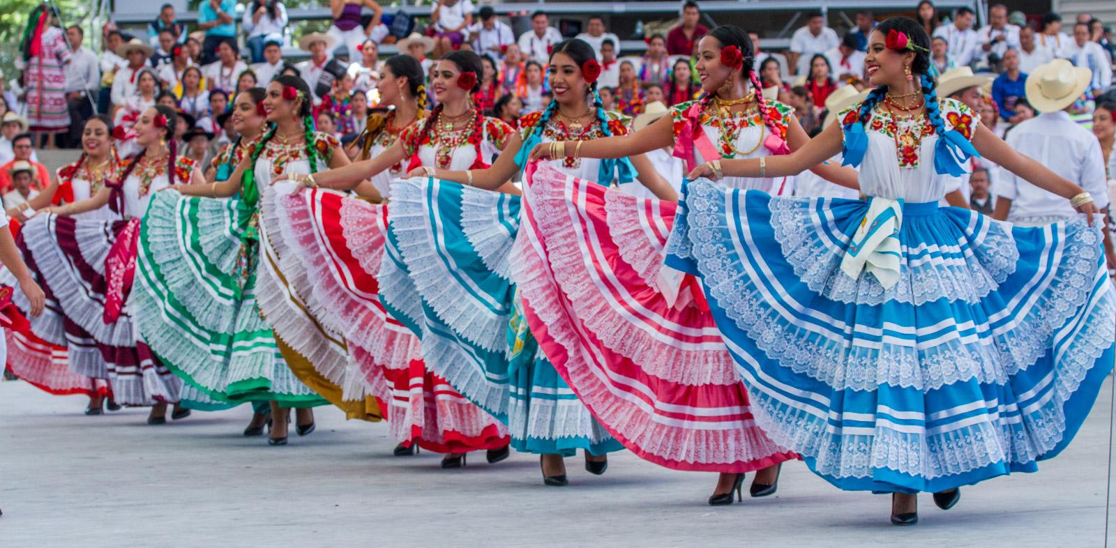 Baile sexy de mexicana - 1 part 8