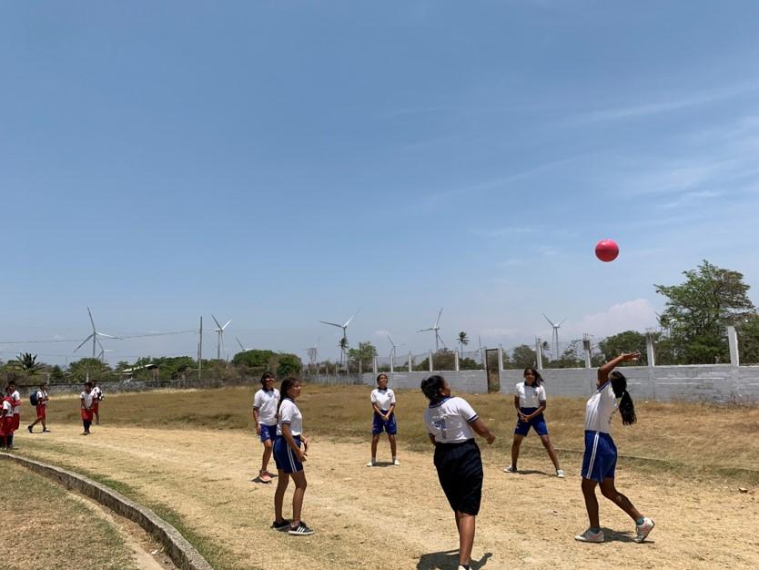 el negocio del viento aerogeneradores niños jugando pagina 3