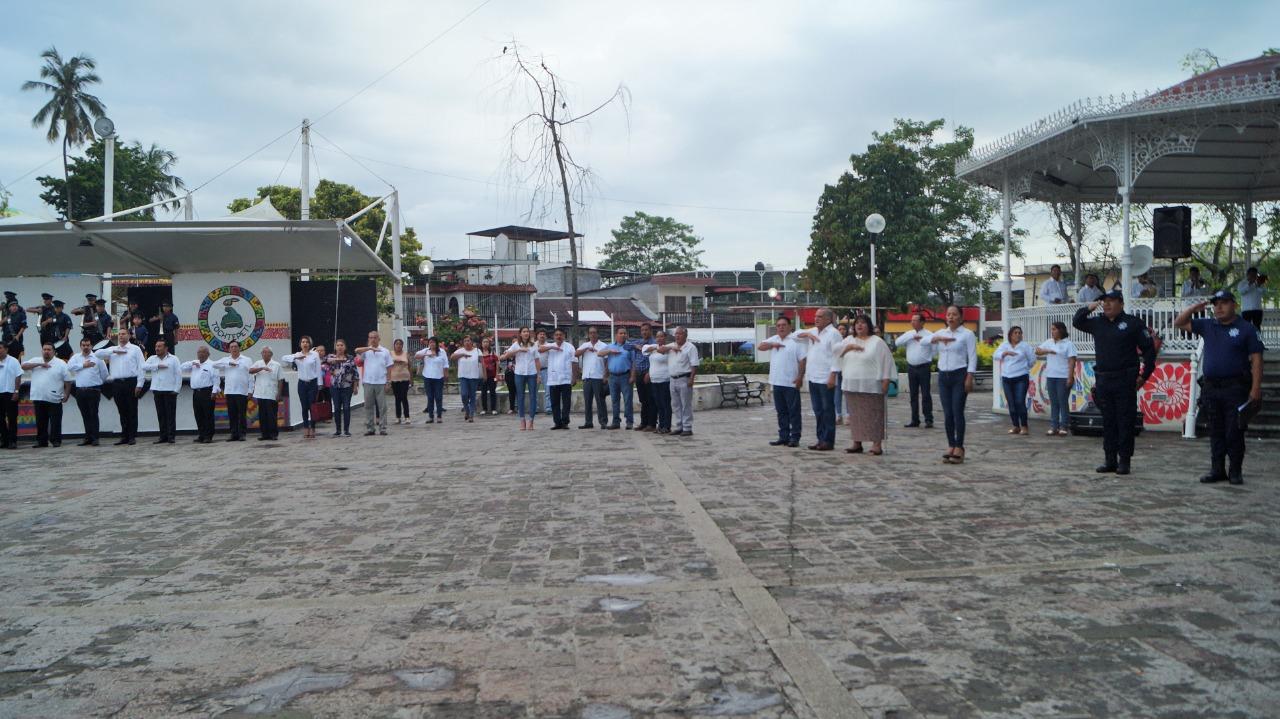 Conmemora ayuntamiento de Tuxtepec el 147 Aniversario Luctuoso de Juárez pagina 3