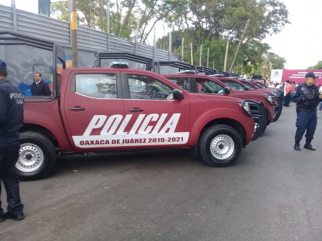 Patrullas de Oaxaca de Juárez serán pintadas de azul marino según la Ley pagina 3
