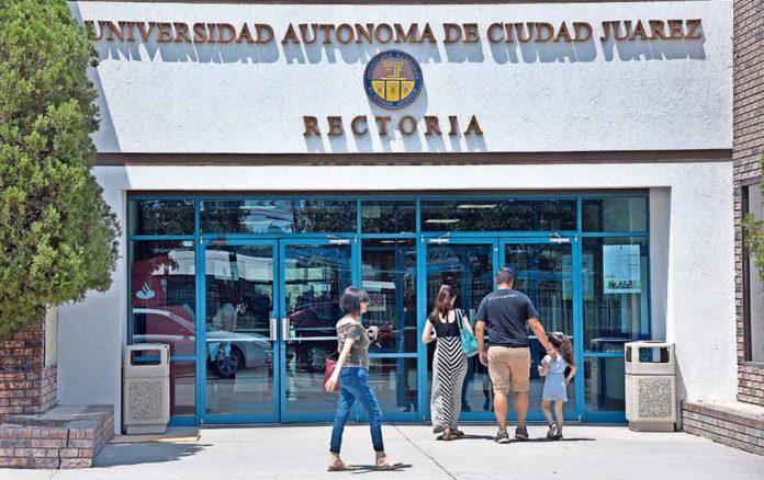 En Ciudad Juárez, mujer exige justicia contra cuatro docentes de la UACJ que la violaron