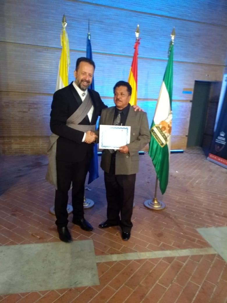 Florencio Gómez con su profesor de música en España