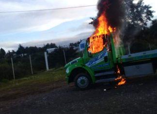 Mototaxistas ilegales queman dos grúas y bloquean carretera, protestan por operativos de Semovi pagina 3