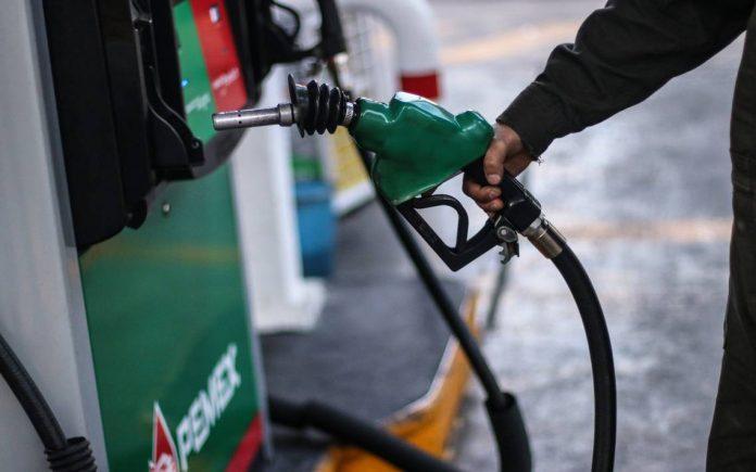 Caen los precios de la gasolina hasta 5 pesos por litro en Oaxaca