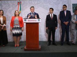 Conferencia de prensa del diputado Mayer