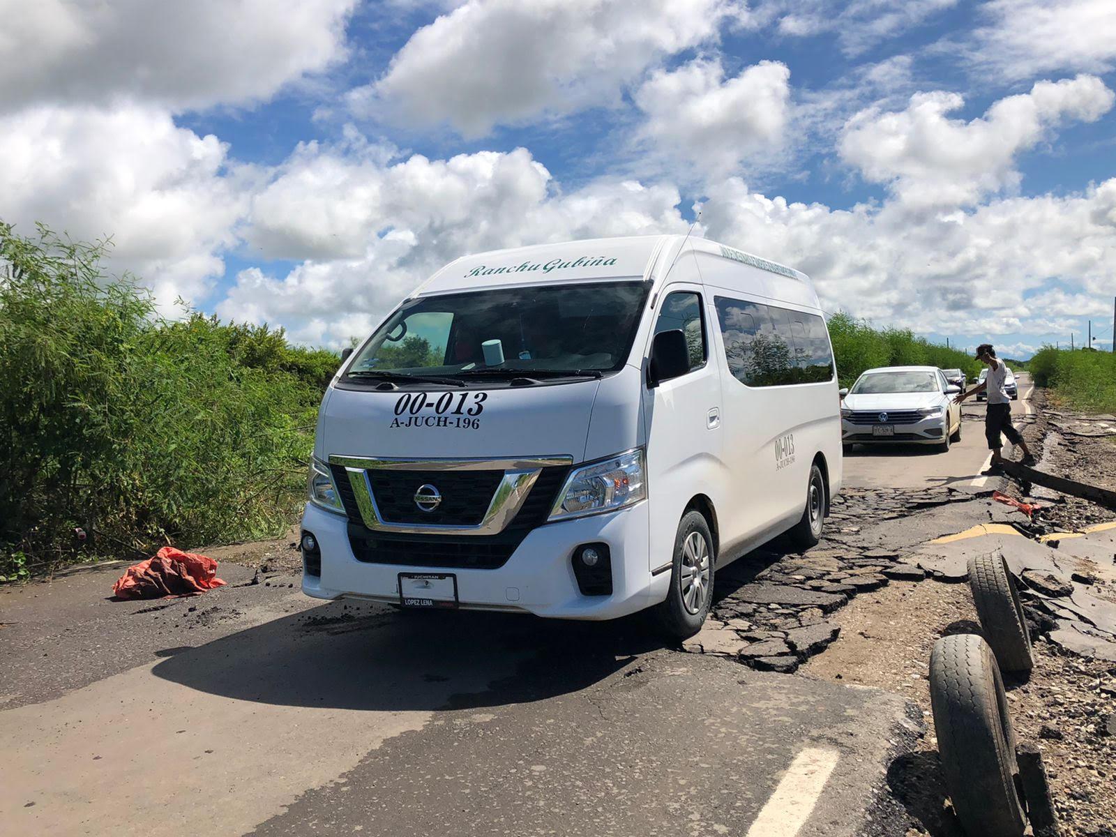 Lluvias destruyen carretera recién estrenada en Unión Hidalgo, Oaxaca; costó $14 mdp